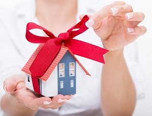 Как оформить дарственную на долю в квартире?